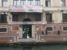 Venezia - #Invendibili: Occupata sede dell'Università Ca'Foscari