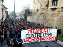 «Time for liberation and insubordination». Over 30.000 people march in Macerata (Italy) against all forms of fascism, sexism and racism